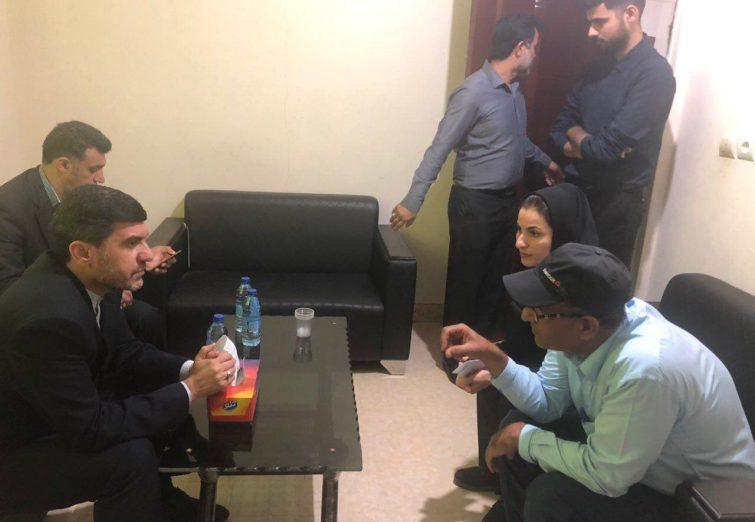 از نشست با اداره بندر و ملوانان تا دیدار مردمی در سفر امروز شریفی به بندرلنگه
