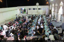 برپایی سفره افطاری در مسجد ملک بن عباس محله بحرینی توسط جوانان مسجد بمناسبت میلاد کریم اهل بیت امام حسن مجتبی (علیه السلام)