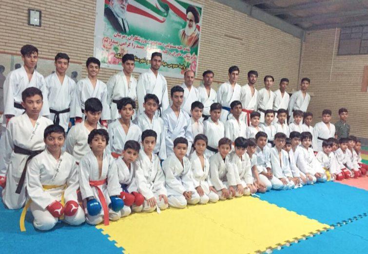 اعزام کاروان ۲۵۷ نفره تیم کاراته شوتوکان استان هرمزگان به مسابقات آسیایی کاراته