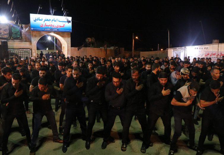 مراسم شب عاشورا حسینیه امام جعفر صادق (ع) محله رودباری بندرلنگه
