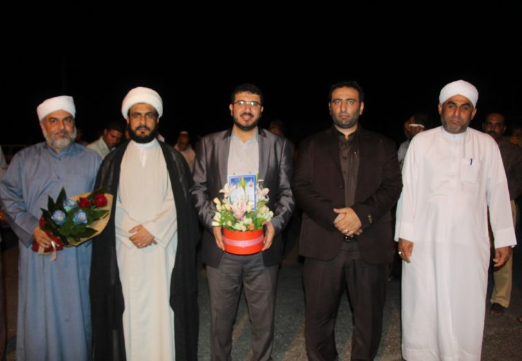 مراسم استقبال از علی محبی پور نخبه قرآنی شهرستان بندرلنگه با حضور مسئولین شهرستان برگزار شد.