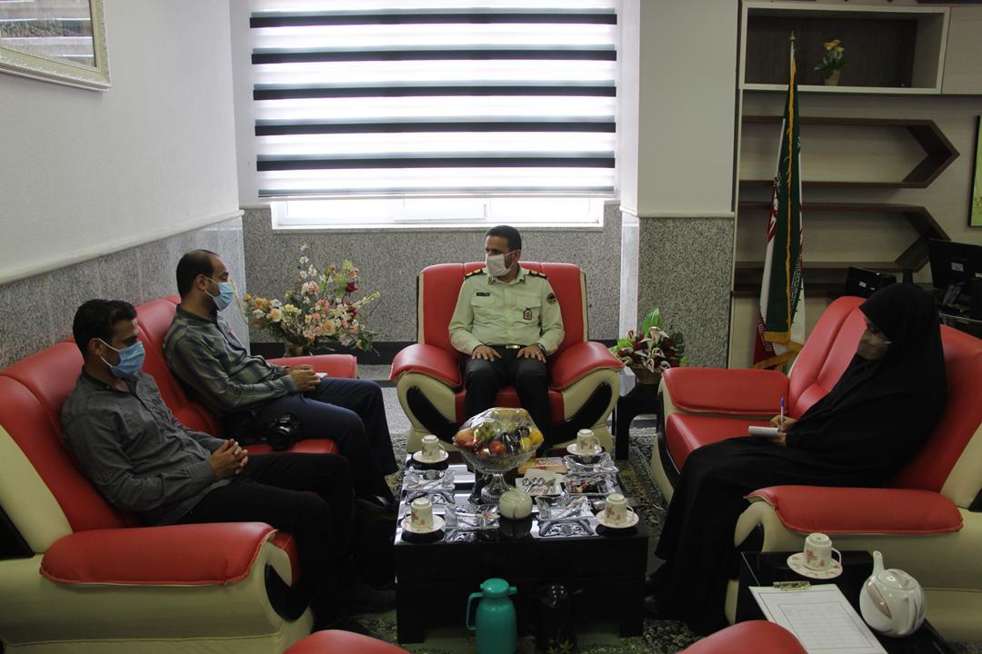 فرماندهی نیروی انتظامی شهرستان بندرلنگه خبرنگاران زبان ناطق مردم هستند