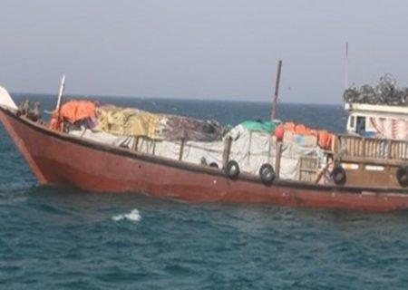 لنجهای سنتی هرمزگان مجاز به واردات ۶۰ نیسان کالای ته لنجی شدند