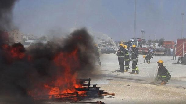 برگزاری مانور اطفاء حریق جامدات و مایعات قابل اشتعال در بندرلنگه