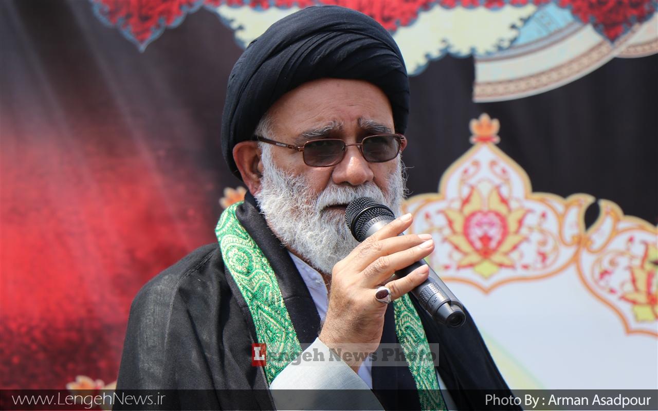 حکام عربستان امروزه محور شرارت در دنیای اسلام هستند/ غرب زده های داخلی، ایران را دچار خود تحریمی کرده اند